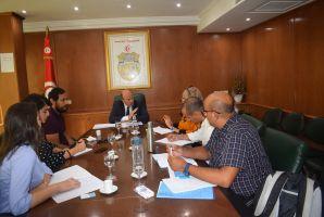 ممثلوا المجتمع المدني يجتمعون بوزير الصناعة حول مسألة اكياس الاسمنت