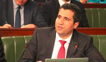 وزير تكنولوجيات الاتصال يخيّر الحزب على الدولة